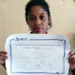Flora Arteaga obtiene el Título de Formación Universitaria